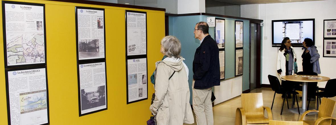 Exposition sur les plaques et bornes historiques à Fontenay-aux-Roses